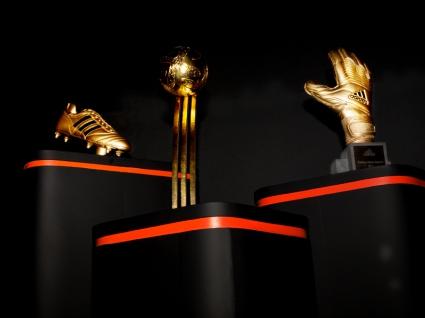Adidas представи наградите си за Мондиала