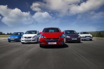 Opel Corsa: Една успешна пиеса в пет действия