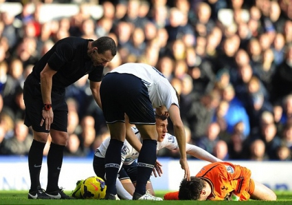Клубните лекари в Англия решават дали играчите, получили удар в главата, да продължат