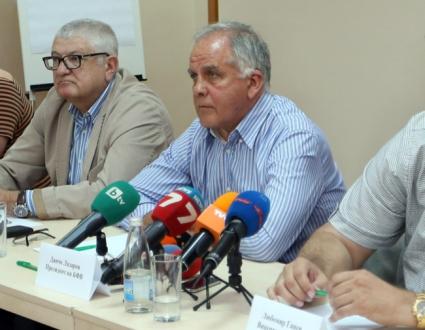 Данчо Лазарoв се срещна с младите ни националки в Казанлък