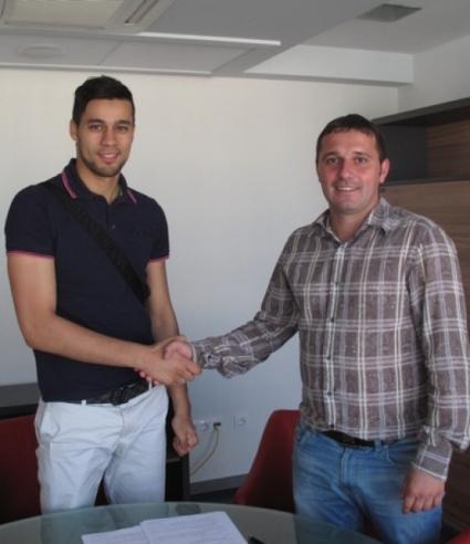 Марокански вратар подписа с Верея