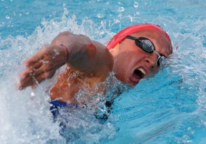 Рекорд и полуфинал за Нина Рангелова на 100 м свободен стил
