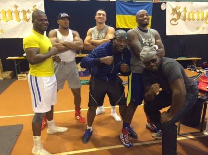 15 спаринг партньори имитират Кобрата за Кличко