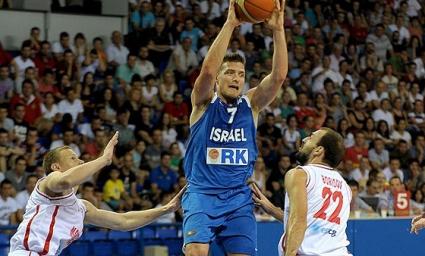 Израел взе реванш от Черна гора, гард на Далас блести при успеха
