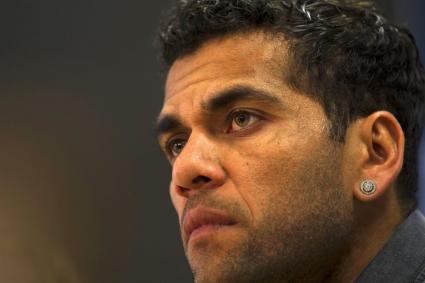 Дани Алвеш: Не се чувствах подкрепен от Барселона