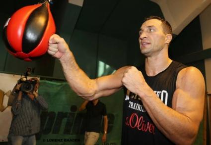 Нови снимки и видео от тренировките на Кличко за мача с Кобрата
