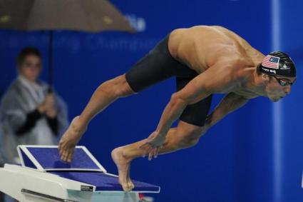 Фелпс с първо международно индивидуално злато след завръщането си в плуването
