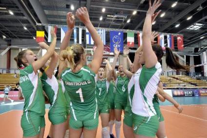 Девойките на България ще играят за 5-6-то място на Европейското след страхотен обрат и 3:2 над Русия