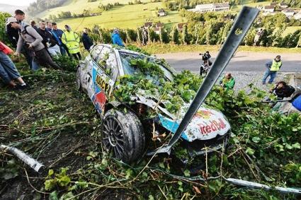 Нувил и Хюндай с дебютна победа във WRC, провал за VW в Рали Германия (видео)