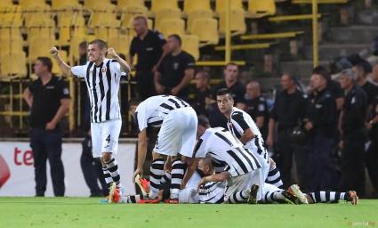 Локо Пд вкара четири гола в контрола