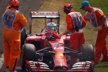 Алонсо: Срамота е да отпадна точно пред тифозите на Ферари