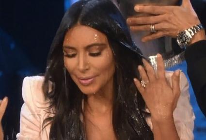 ТВ водеща изля кофа с вода върху Ким Кардашян