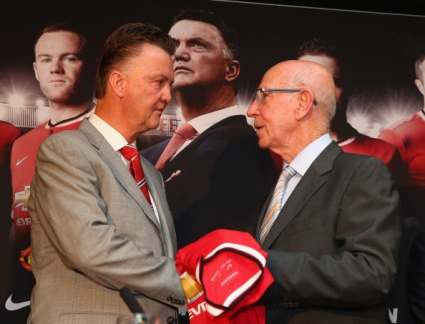Боби Чарлтън: Отсъствието от Европа ще помогне на Манчестър Юнайтед