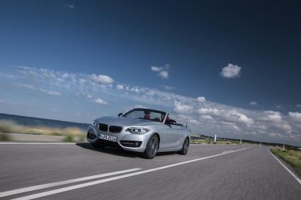 BMW 2-Серия вече и като безгрижен кабриолет