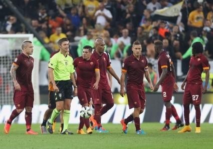 След скандалите от Рома - Юве Италия склони за видео повторения