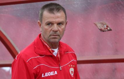 Тъжна новина за Стойчо Младенов