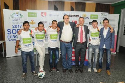 """Фандъкова изпраща """"Отбора на надеждата"""" на световното по футбол за бездомни"""