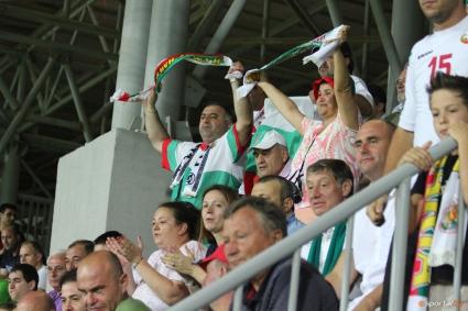 Феновете се втурнаха да купуват билети за България - Хърватия (видео)