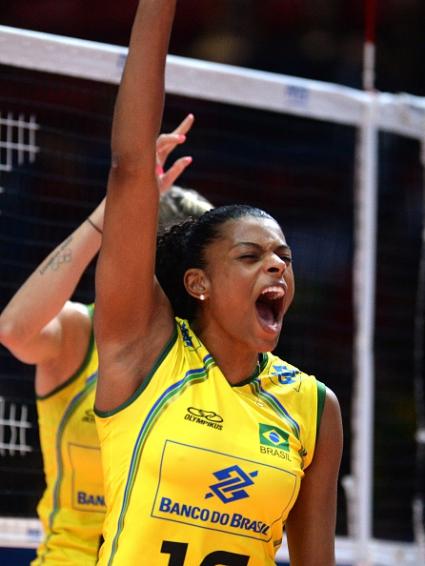 Бразилия отнесе лесно Доминикана с 3:0 и е на полуфинал срещу САЩ на СП