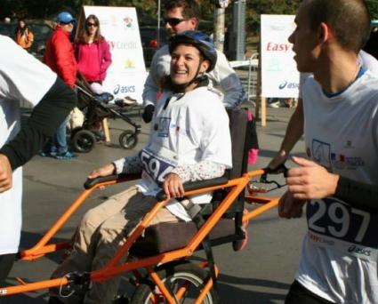Две инвалидни колички стартират на Софийския маратон