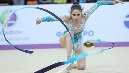 Владинова спечели всичките четири златни медала на отделните уреди