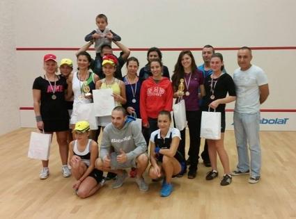 Любители на скуоша се събраха за турнир през уикенда