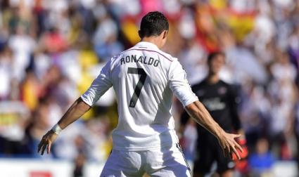 Реал Мадрид смазва с 5:0, Кристиано пак постави името си в историята (видео+галерия)