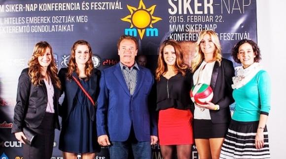 Унгарски волейболни националки се срещнаха с Арнолд Шварценегер
