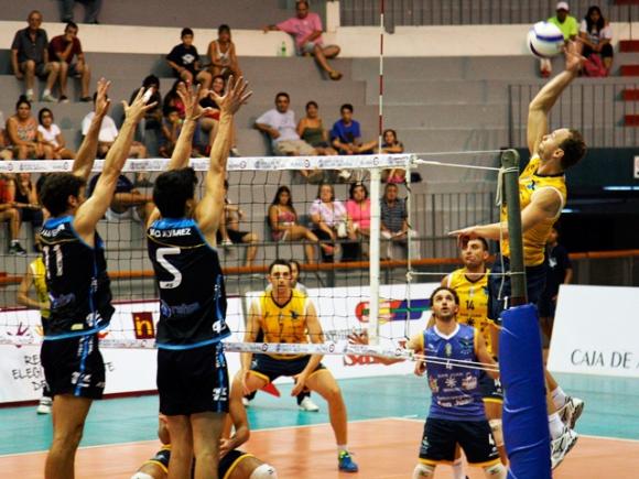 Николай Учиков и UPCN (Сан Хуан) на крачка от полуфинал в Аржентина