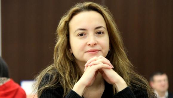 Стефанова срещу украинка във втория кръг на световното по шахмат