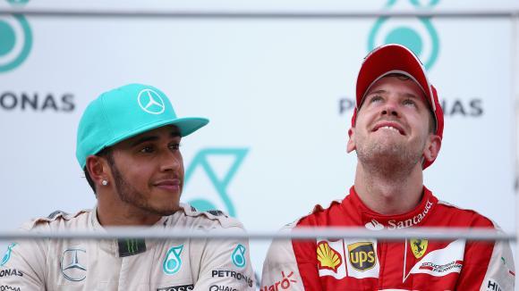 Хамилтън: Моите поздравления за Ферари и Фетел