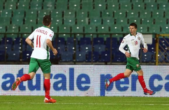 Мицански вкарва, България не губи