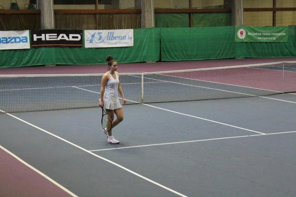 Златанова на 1/4-финал в Ираклион