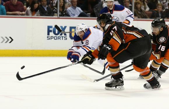 Анахайм спечели четвърта поредна победа в НХЛ