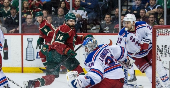 Победа над Минесота доближи Рейнджърс на две точки от лидера в НХЛ