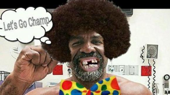 """Тарвър иска да избави бокса от """"клоуна Бригс"""""""