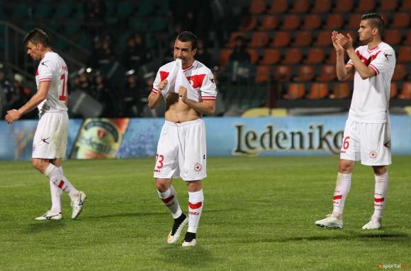 ЦСКА се извини официално на свой футболист и обяви раздяла с треньор
