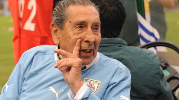 Траур в Уругвай за героя Гиджа, дори бразилците почетоха паметта му