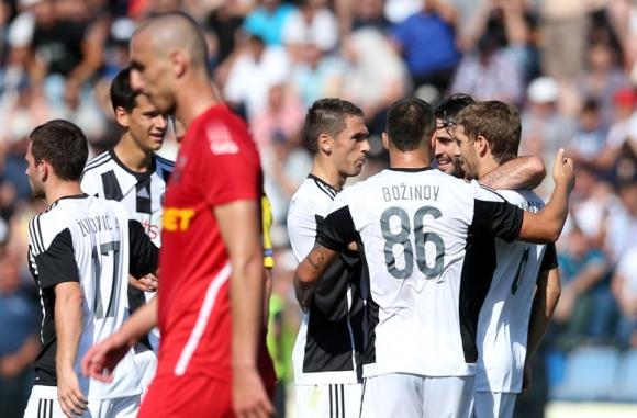 Божинов и Партизан продължават напред в Шампионската лига (видео)