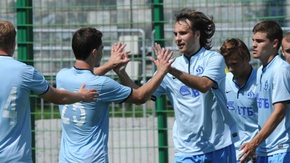 М'Вила и Дяков още чакат решението на Динамо
