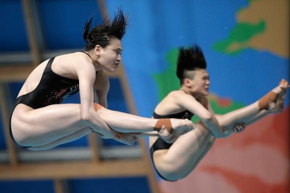 Китайките триумфираха в синхронните скокове от 3-метров трамплин на световното в Казан