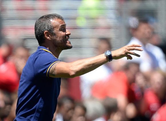 Луис Енрике: Ван Гаал може да изведе Юнайтед до требъл още този сезон