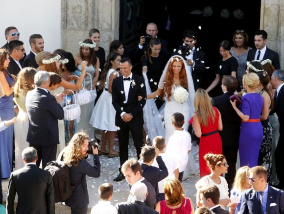 Звездната сватба на Мендеш - Кристиано му подари гръцки остров (видео+галерия)