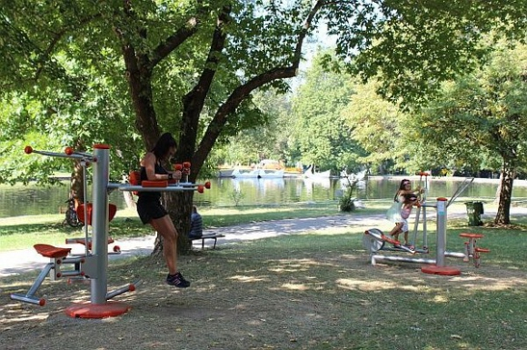 Благоевград се сдоби с нова фитнес зона на открито