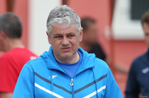 Трансферните неволи за Левски продължават