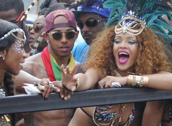Луд купон за Люис Хамилтън в Барбадос