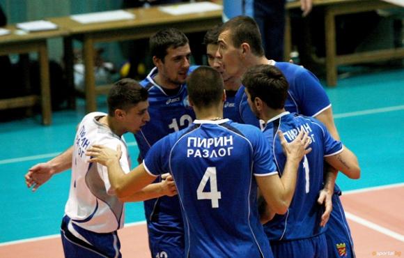 Пирин стартира подготовка с 18 волейболисти