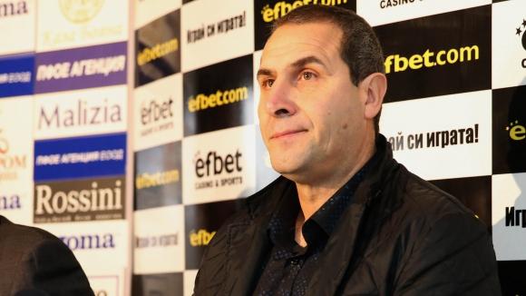 Херо не изключва завръщане начело на България