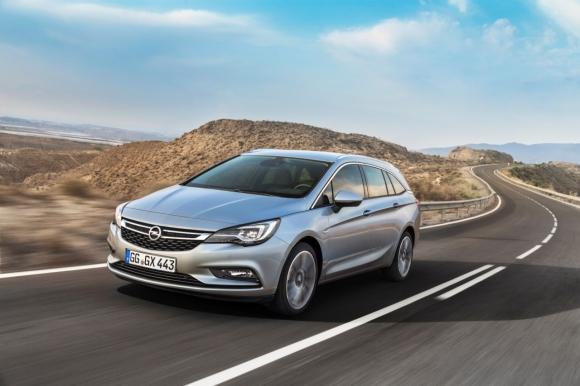 Opel Astra Sports Tourer отбелязва своята световна премиера