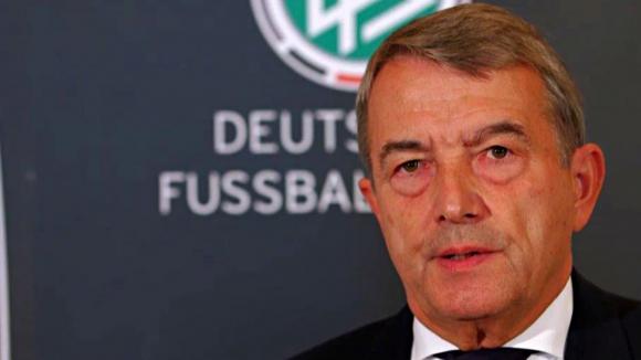 Вицепрезидент на ФИФА поиска спешна сбирка на Изпълкома